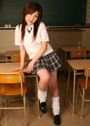 エロ教師が白い柔肌巨乳の女子校生を生姦中出し